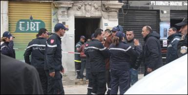 انهيار جزء من بناية بوسط العاصمة و اخلائها